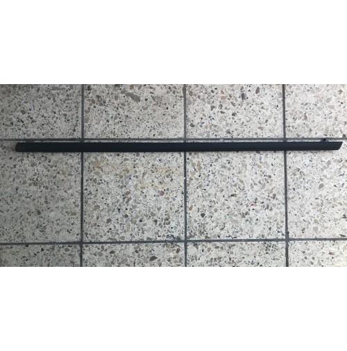 Modanatura Raschiavetro vetro scendente Ant Sx FORD FIESTA ORIGINALE 1763369